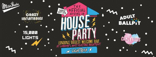 The Official Freshers Moving In House Party! 🎈💊 Live From Lightbox 😲